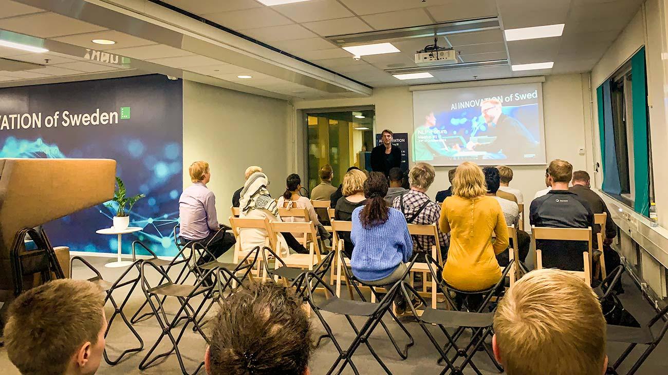 Peter Kurzwelly hälsar deltagarna välkomna