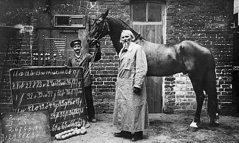 Hästen kallad Clever Hans, som ifall hans tränare stod nära kunde utföra matematik